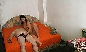 Orgasmi bollenti - altra coppia di maialoni davanti alla telecamera nascosta