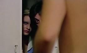 Paola Senatore in scena di nudo