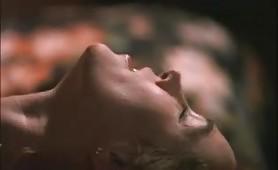 Marina Giulia Cavalli nuda si fa fottere sul set