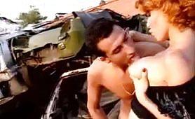 Puttana incinta scopata in un parcheggio
