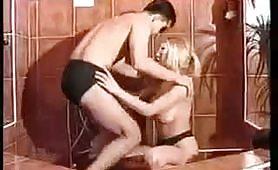 Giovane coppia italiana in questo video amatoriale