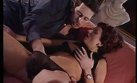 Lisa Pinelli in arrapante scena porno vintage italiano