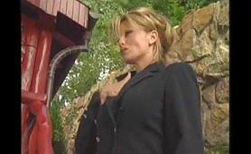 Prima parte del film italiano Contessa e l'Orfanella