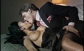 Orgia porno interaziale con calde milf maggiorate