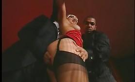 Scena di sesso a tre ripresa dal film Una notte proibita