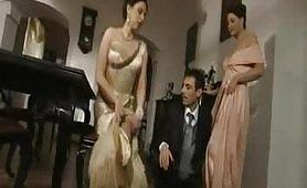 Una calda scena porno vintage italiano di sesso a tre