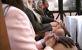 Scena porno di una grande lesbicata ripresa dal film L'Eredità