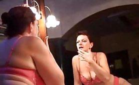 Luana, una favolosa casalinga di Torino gode con un giovanotto