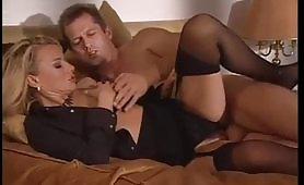 Belle gnocche italiane da paura godono in orgia porno
