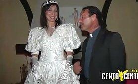 Grande ammucchiata ripresa dal film italiano Di Giorno Sposa di Notte Scrofa