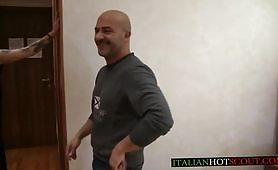 Il primo casting porno di Federica di Montefiascone, una milf mora e tatuata