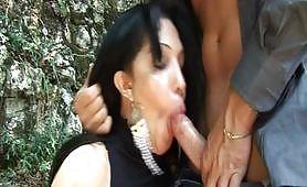 Quel sapore penetrante di trans - quarta scena porno con transex inculata all`aperto